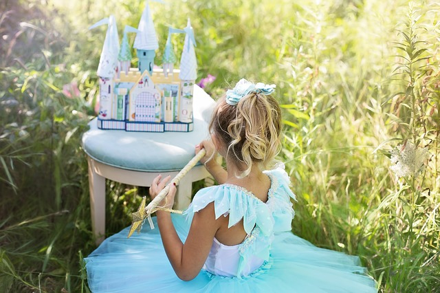 Making Party Decorations For A Princess